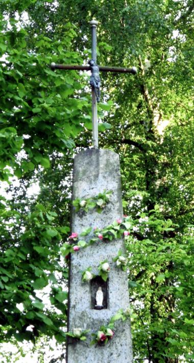 Kryžius stovintis prie Kampuočių-Pristavonių kelio
