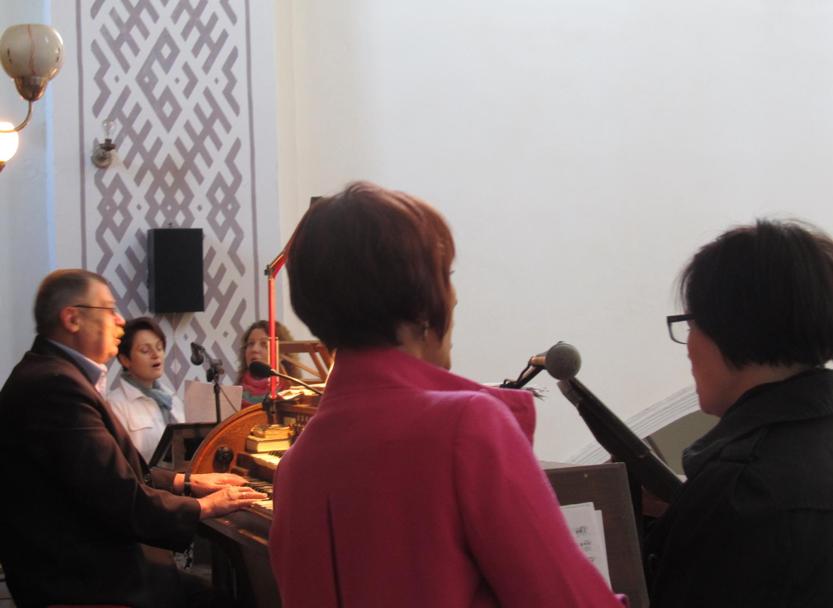 Kvartetas gieda rytinėse šv. Mišiose (fot. T. Uzdilaitė)