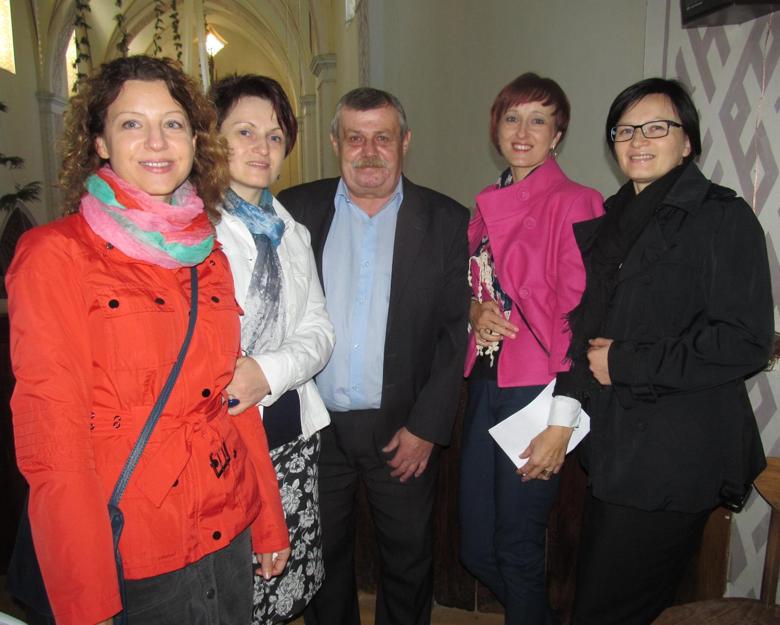 Iš kairės: Alicija Liaukevičienė, Gražina Žilinskienė, Eugenijus Parakevičius, Alicija Baranauskienė, Božena Bobinienė