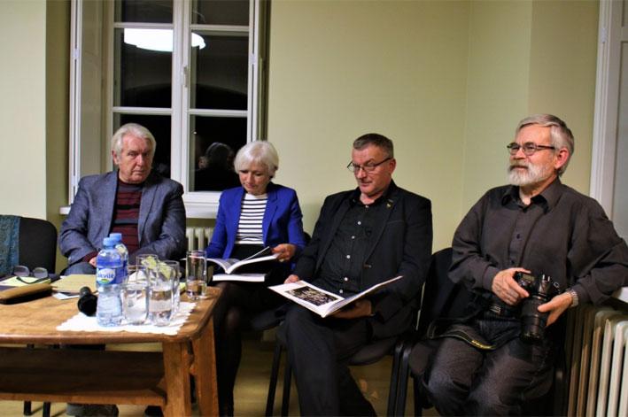 Iš kairės: Viktoras Rudžianskas, Birutė Jonuškaitė, Sigitas Birgelis ir Vladas Braziūnas